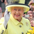 VIDEO: Queen Elizabeth's Top Fashion Moments